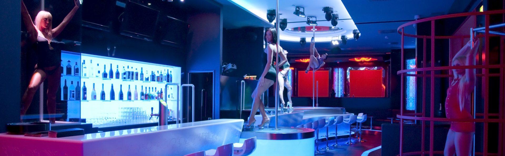 A la CHARM Showgirls